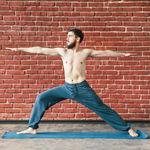 Así es como la práctica de yoga puede ayudarte a adelgazar (aunque no queme muchas calorías)