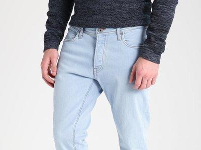 Pantalones Jack & Jones Jjitim rebajados de 39,95 euros a sólo 15,95 euros y los gastos de envío gratuitos