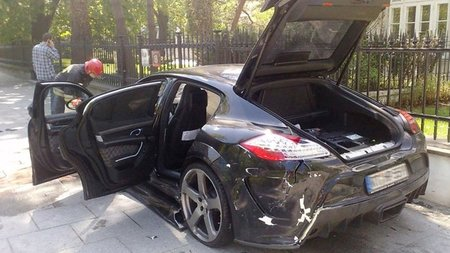 Dolorpasión - Porsche Panamera Mansory