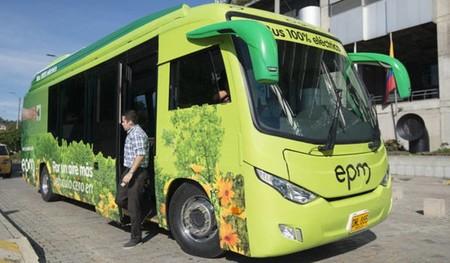 El primer busetón eléctrico de EPM ya está operando en Medellín