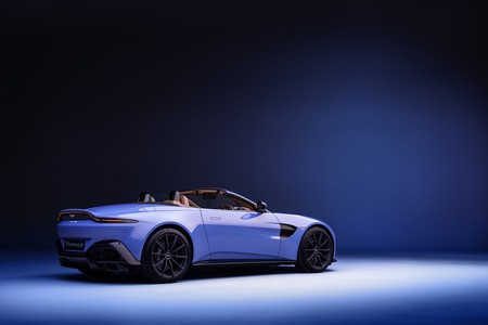 Aston Martin Vantage Roadster 04