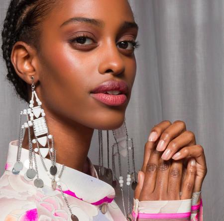 Las pasarelas han hablado: 11 colores de esmaltes para tu manicura que van a ser tendencia