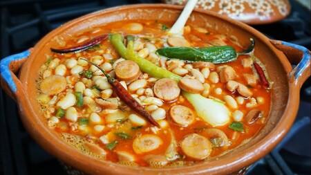 https://www.directoalpaladar.com.mx/comida-mexicana/como-hacer-frijoles-charros-mejor-receta-este-clasico-cocina-tradicional-mexico