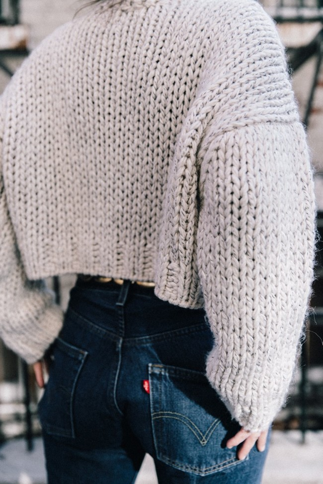 White Knitwear Turtleneck Levis Vintage The Reformation Vintage Belt Proenza Ps11 Bag Outfit New York Collage Vintage Street Style 32 790x1185