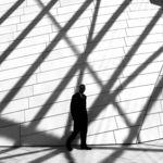 'In Shadow/En Sombra', buscando el minimalismo con la luz y la sombra