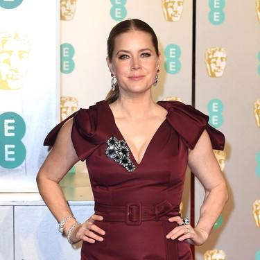 Premios Bafta 2019: Amy Adams  no acierta y se estrella con su look