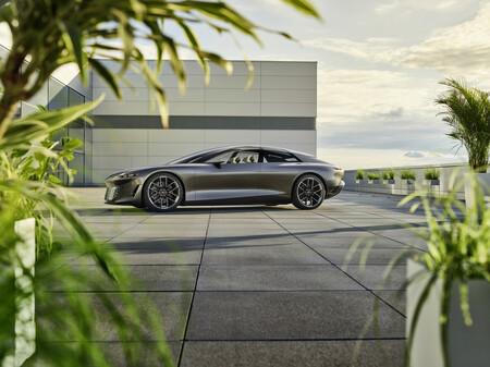 Audi grandsphere concept: un posible adelanto al futuro del A8, sin volante ni pedales porque se maneja solo