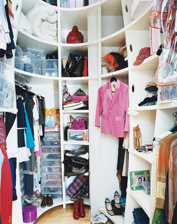 """Ahorra espacio con un vestidor """"redondo"""""""