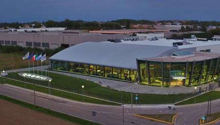 Así se crean 19.000 metros cuadrados de ensueño, para la nueva fábrica de Pagani