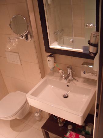 Claves para decorar apartamentos pequeños (VII): Baños