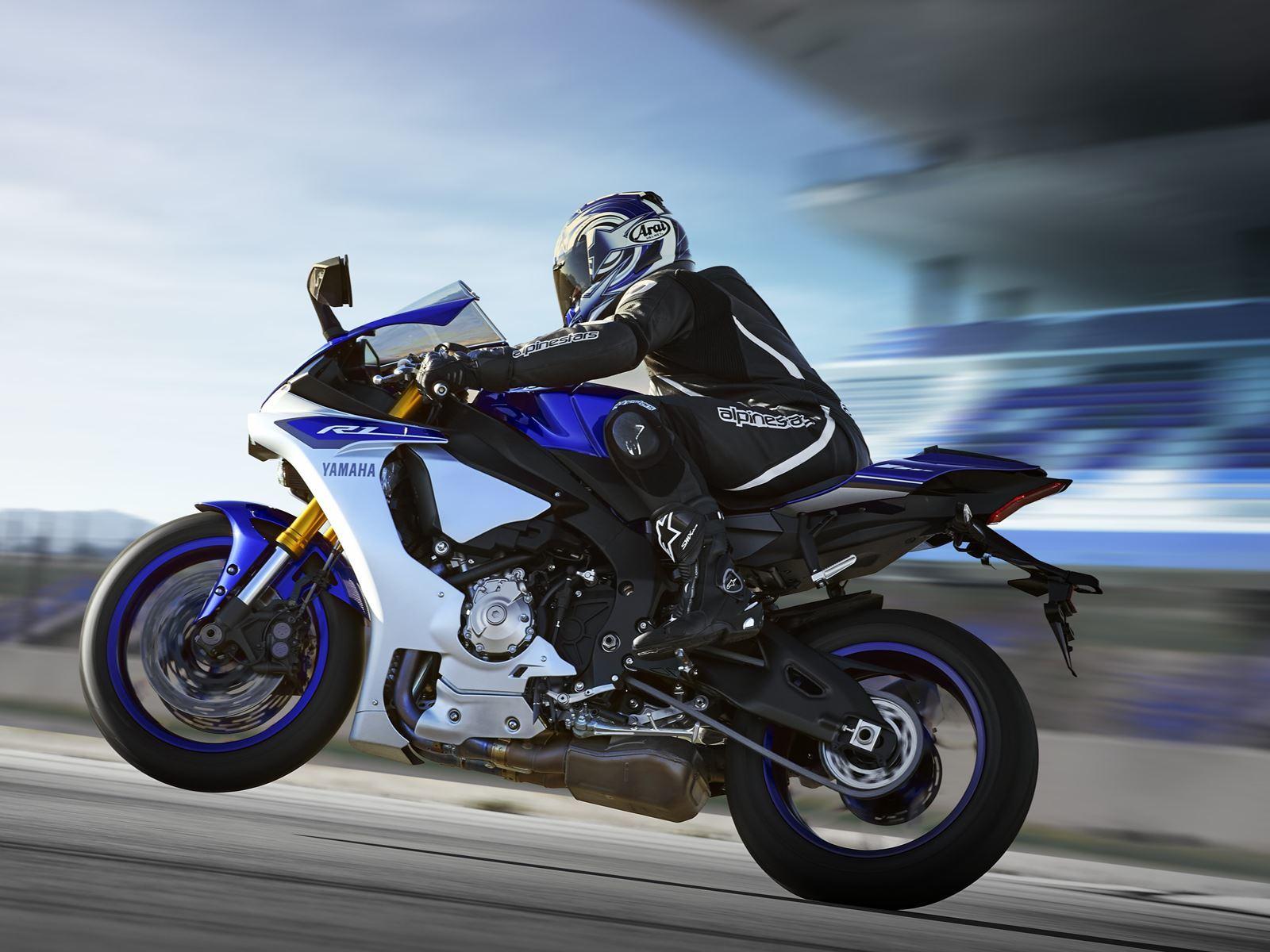 48 fotos más de Yamaha YZF-R1 2015