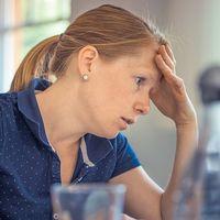 Identificamos cinco síntomas que demuestran que el estrés afecta (y mucho) a nuestra piel