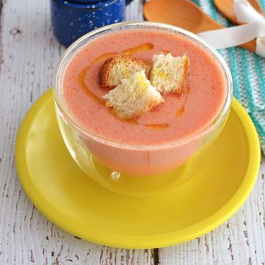 Gazpacho tradicional. Receta saludable y refrescante