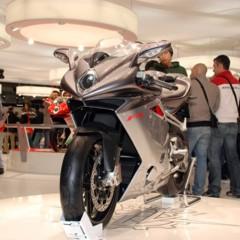 Foto 24 de 30 de la galería mv-agusta-f4-2010-galeria-en-alta-resolucion en Motorpasion Moto