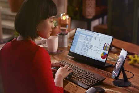 """Motorola Edge Plus estrena """"Ready For"""", la nueva plataforma que lo convierte en una computadora y hasta en consola de juegos"""