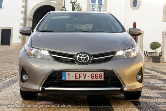 Toyota Auris 2013, vista frontal
