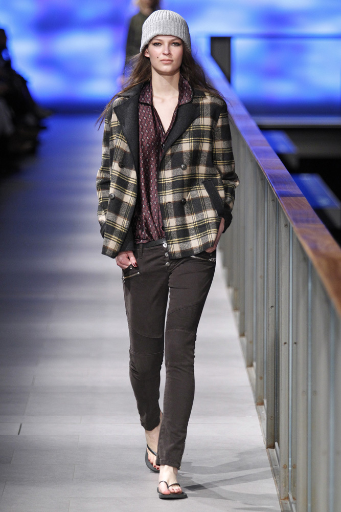 Foto de TCN Otoño-Invierno 2014/2015 en la 080 Barcelona Fashion (51/120)
