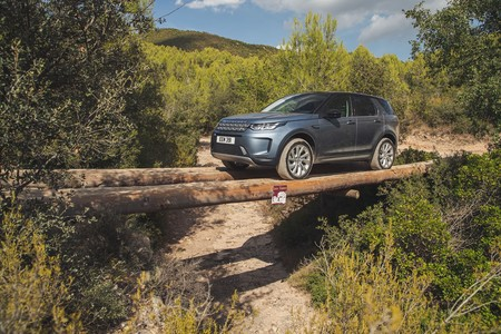 Land Rover Discovery Sport 2019 005