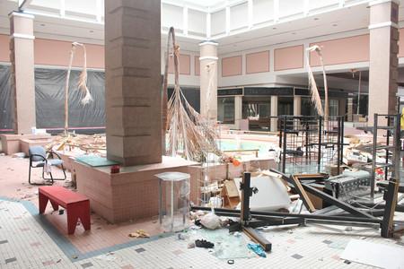 shopping mall abandoned