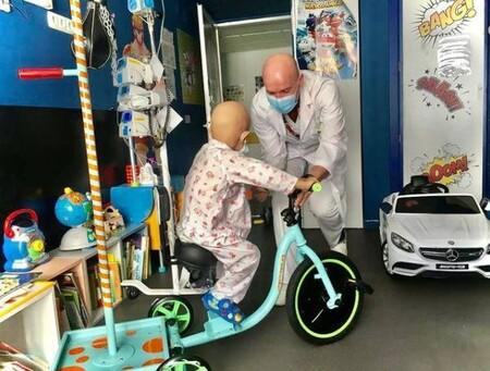 Kiciclos, la bonita iniciativa de Juegaterapia para que los niños con cáncer reciban la quimio sobre pedales