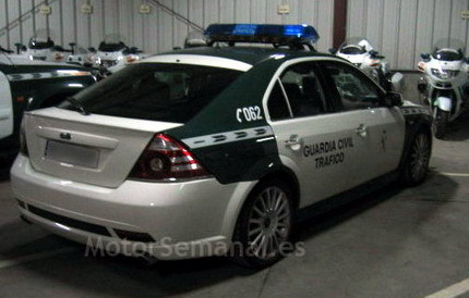 Ford Mondeo ST220 de la Guardia Civil: no escaparás