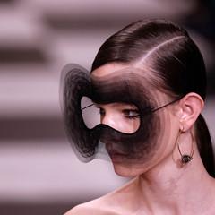 Foto 74 de 74 de la galería dior-alta-costura-maria-grazia-chiuri-y-su-magico-desfile-en-blanco-y-negro-primavera-verano-2018 en Trendencias