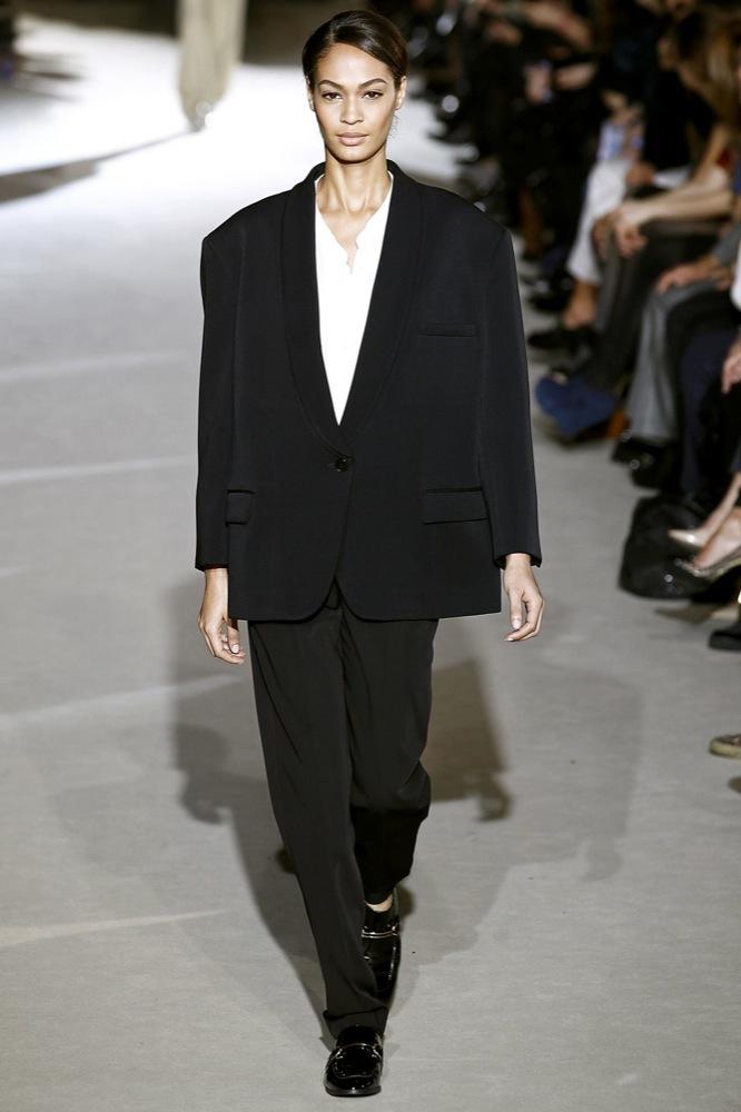 Foto de Stella McCartney Otoño-Invierno 2011/2012 en la Semana de la Moda de París:  (22/25)