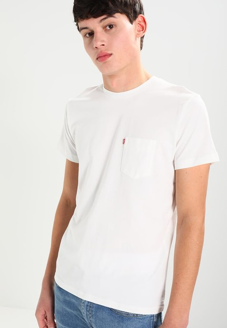 ¡Chollo! Camiseta Levi's rebajada por sólo 10,43 euros en Amazon