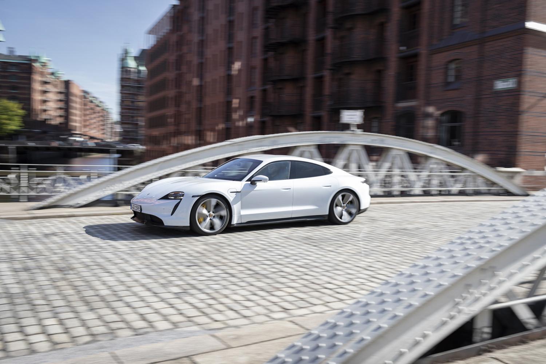 Foto de Porsche Taycan prueba contacto (90/275)