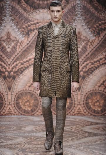 Foto de Alexander McQueen, Otoño-Invierno 2010/2011 en la Semana de la Moda de Milán (6/13)