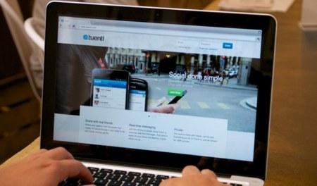 Tuenti estudia expandir su operador móvil virtual a otros países