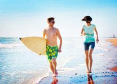 Manténte en forma con estos 8 ejercicios que podrás hacer en el agua