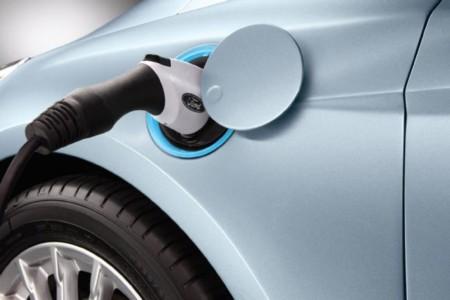 Ford también podría llegar al mercado con un eléctrico con más de 300 kilómetros de autonomía