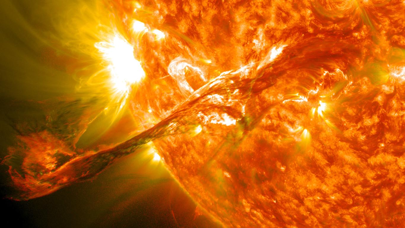 Detectan la primera erupción masiva de una estrella que no es el Sol 1366_2000
