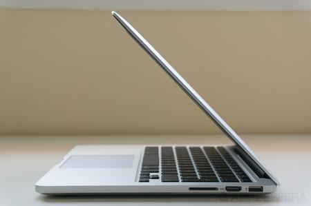 Apple estaría trabajando en el diseño de una bisagra flexible para sus MacBook