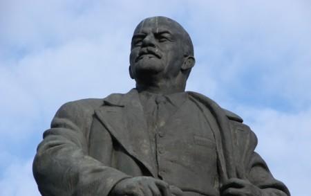 La campaña electoral, la muerte lenta de Yahoo y el internet de la Rusia comunista: Internet is a Series of Blogs (366)
