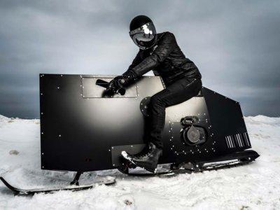 Hay motos raras, muy raras, y luego está el Snoped: la moto de nieve malvada del futuro