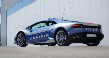 La policía italiana recibe un Lamborghini Huracán