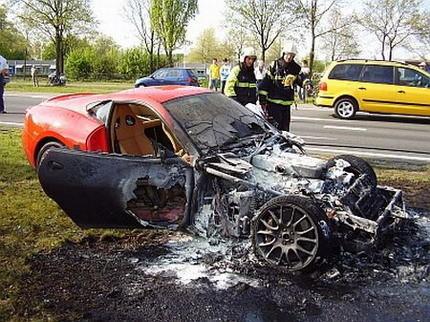 Ferrari 599 GTB ardiendo