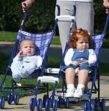Conectores de sillas de PrinceLionheart: convierte dos sillas en una
