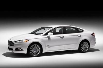 El Ford Fusion Energi será un poco más caro que el Chevrolet Volt