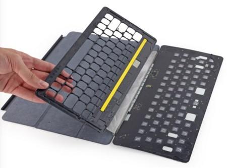 Smart Keyboard Desmontado 2