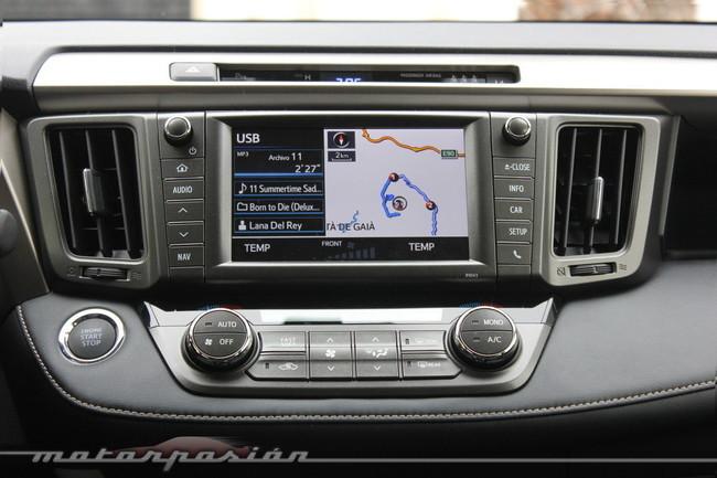 Toyota RAV4 2013, radio USB