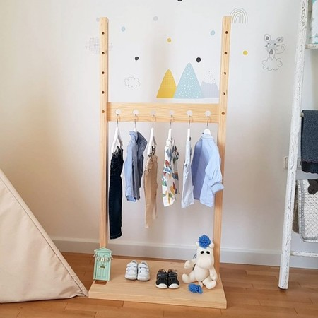 Noah, un adorable y práctico perchero infantil inspirado en la filosofía Montessori
