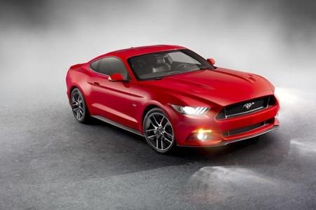 Ford Mustang 2014: el caballo de pura raza cumple cincuenta primaveras