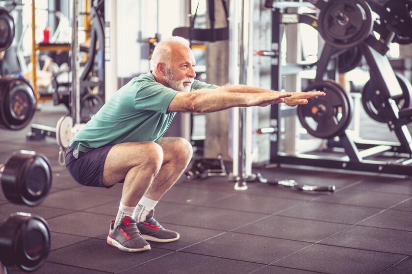 Prevención de caídas en adultos mayores: cinco ejercicios que ayudan a fortalecer la musculatura y los huesos