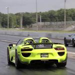 Mira cómo el Rimac Concept_One se merienda a un Porsche 918 Spyder