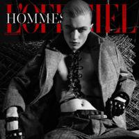 Lucky Blue Smith, el #instafamous de moda en portada de L'Officiel Homme Singapur
