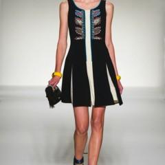 Foto 26 de 43 de la galería moschino-primavera-verano-2012 en Trendencias