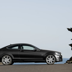 Foto 13 de 41 de la galería mercedes-benz-clase-c-coupe-2011 en Motorpasión